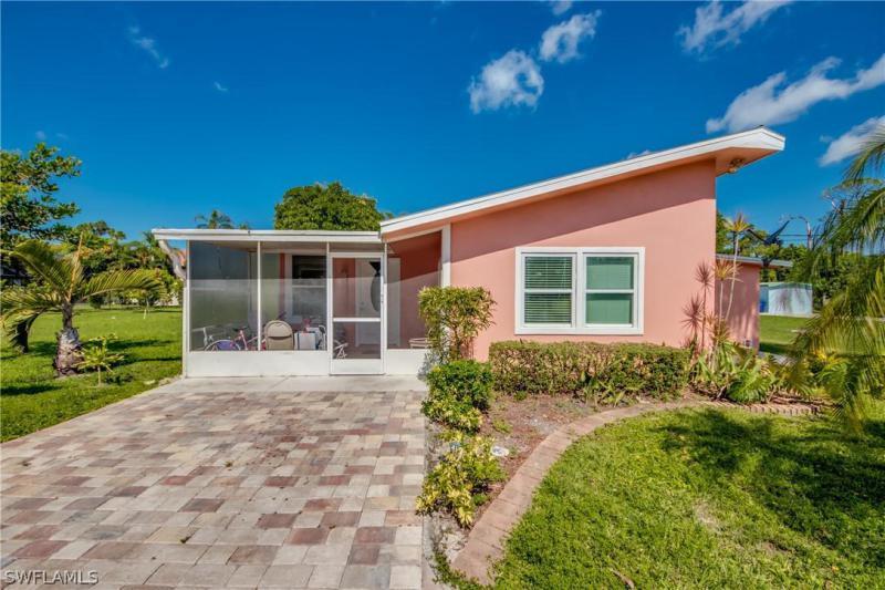 Michigan, Bonita Springs in Lee County, FL 34135 Home for Sale