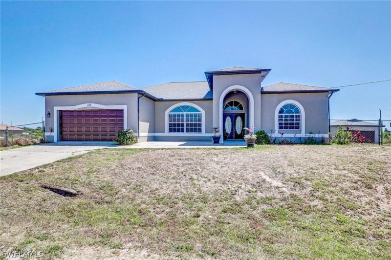 725 S Castlestone,  Lehigh Acres, FL