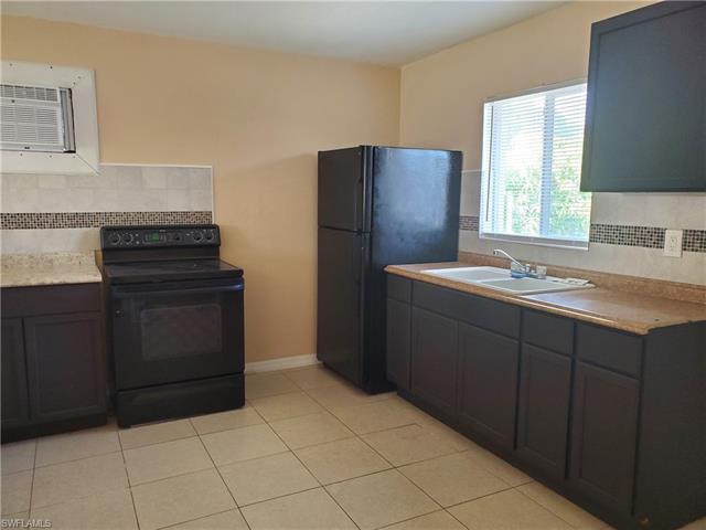 2239  Jackson ST, Fort Myers, FL 33901-
