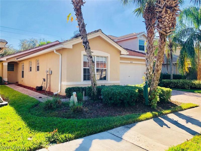 1619 Triangle Palm Ter  NAPLES  34119