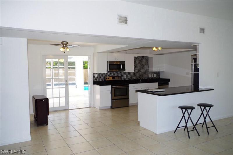 2248 Aldridge AVE Fort Myers, FL 33907 photo 2