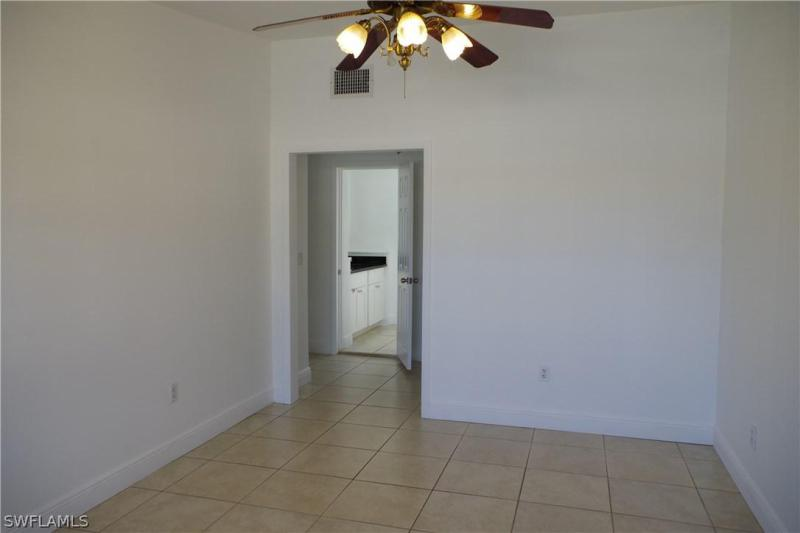 2248 Aldridge AVE Fort Myers, FL 33907 photo 6