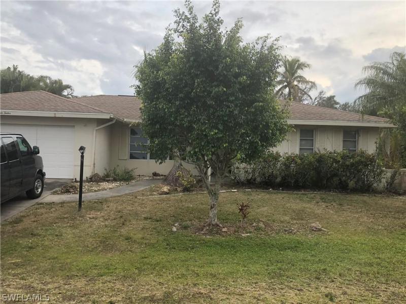 8658  Patty Berg CT, Fort Myers, FL 33919-