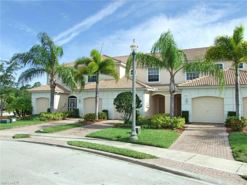 1300 Weeping Willow CT, Cape Coral, FL 33909