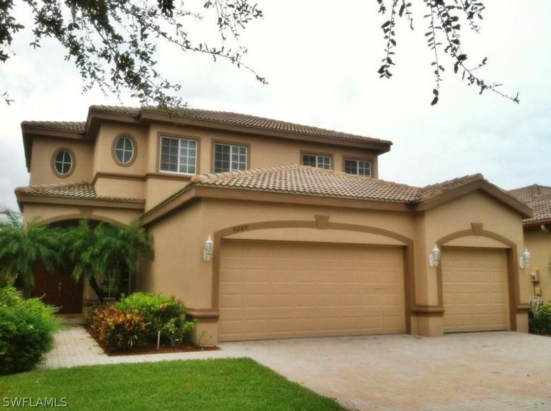 9269  Paseo De Valencia ST, Fort Myers, FL 33908-