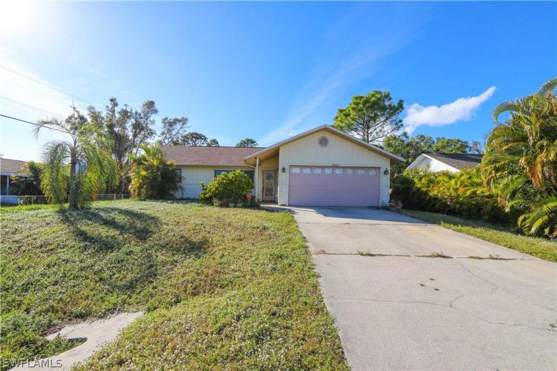 18685/689  Tangerine RD, Fort Myers, FL 33967-