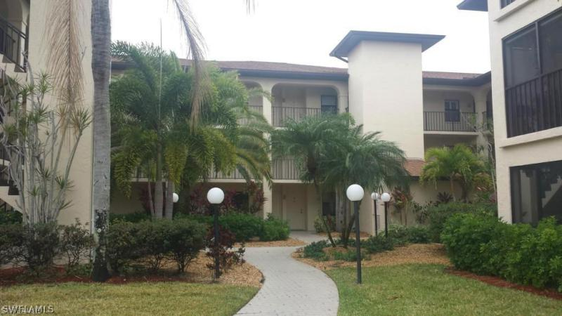 8474  Charter Club,  Fort Myers, FL