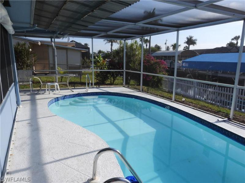 4312 S Canal Cir, North Fort Myers, Fl 33903