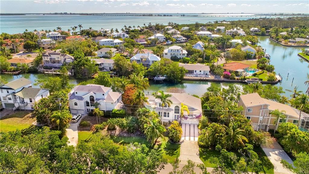 1720  Dixie Beach,  SANIBEL, FL