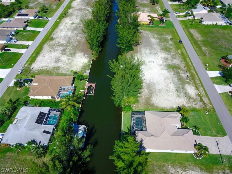 Photo of 1823 SW 29th Terrace, Cape Coral, FL 33914