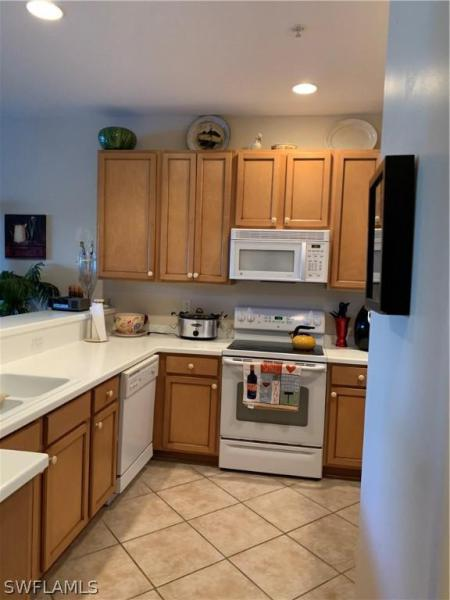 13215 Silver Thorn 203, North Fort Myers, FL, 33903