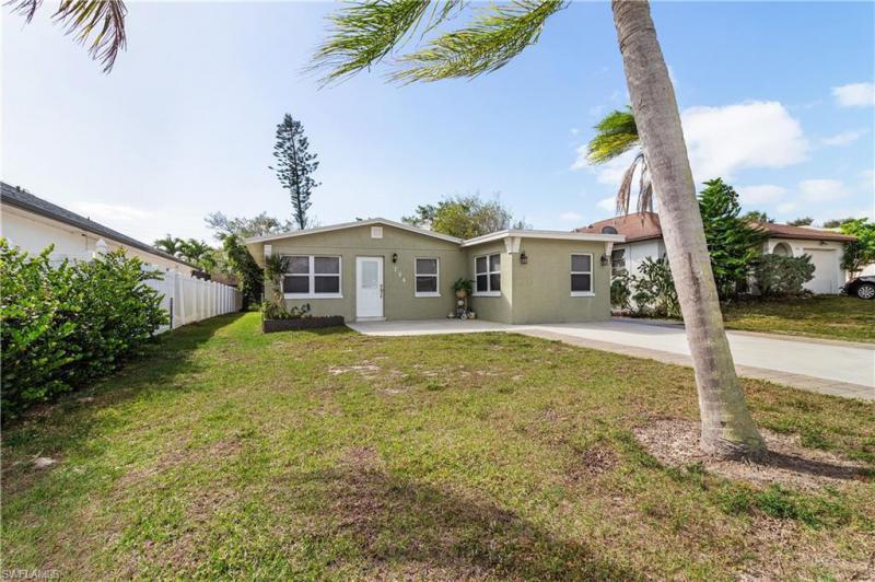 794  107th,  NAPLES, FL