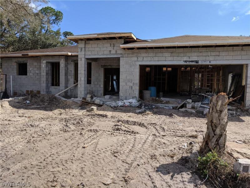 20461  Bachmann,  PORT CHARLOTTE, FL