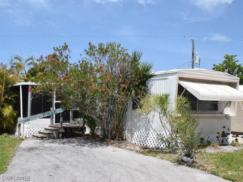 26126 Princess LN, Bonita Springs, FL 34135