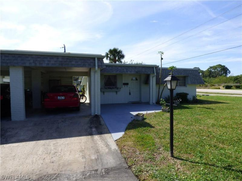 25 Hamlin CT, Lehigh Acres, FL 33936