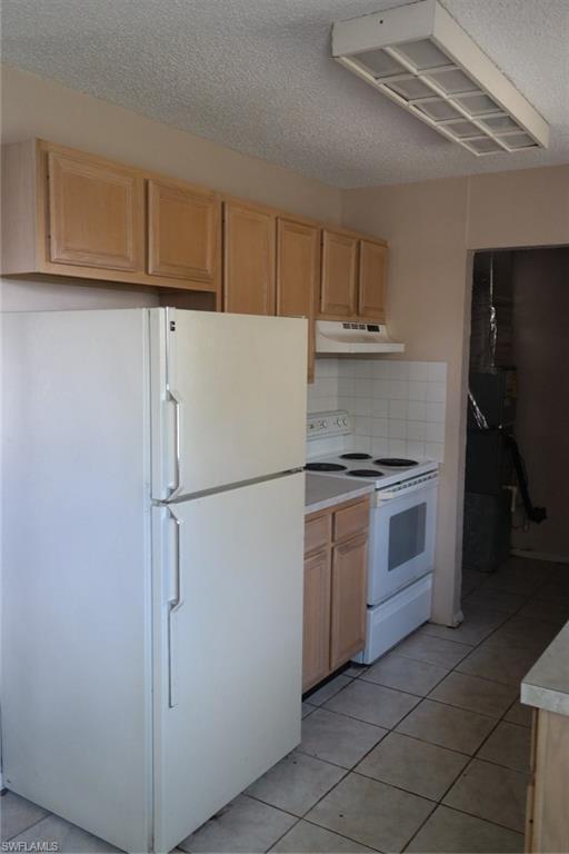 8173  Anhinga RD Fort Myers, FL 33967- MLS#218040193 Image 3