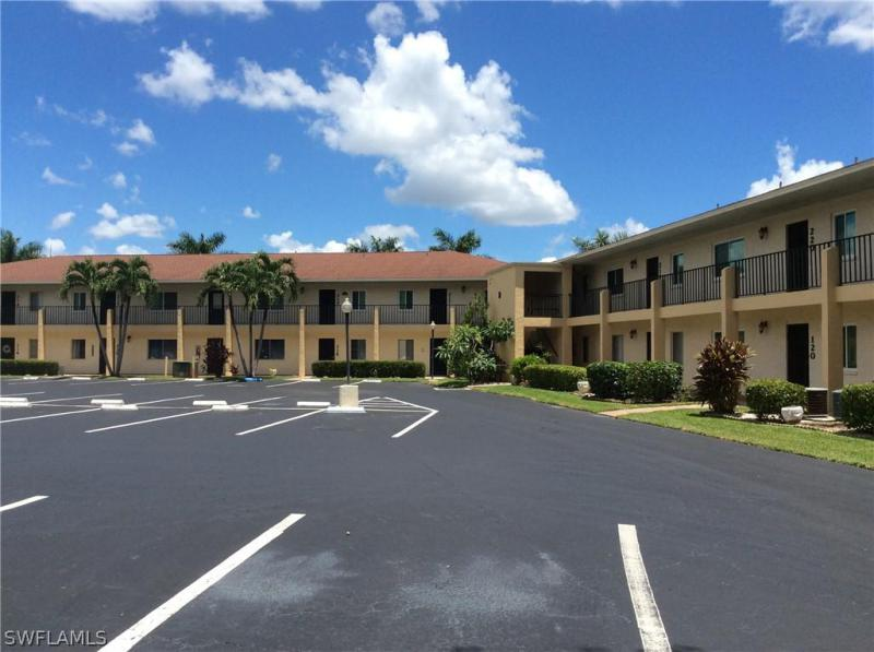309  Thompson AVE, Lehigh Acres, FL 33972-