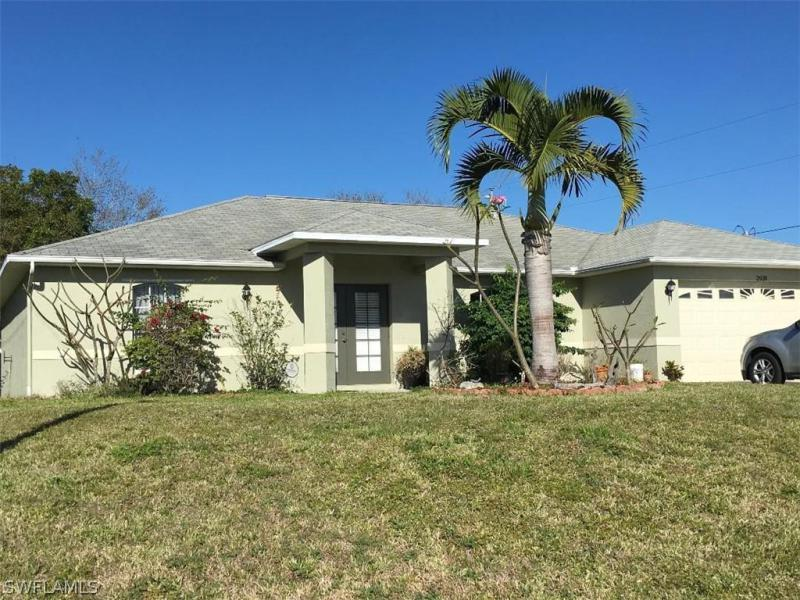 3497  Crosswater DR, North Fort Myers, FL 33917-