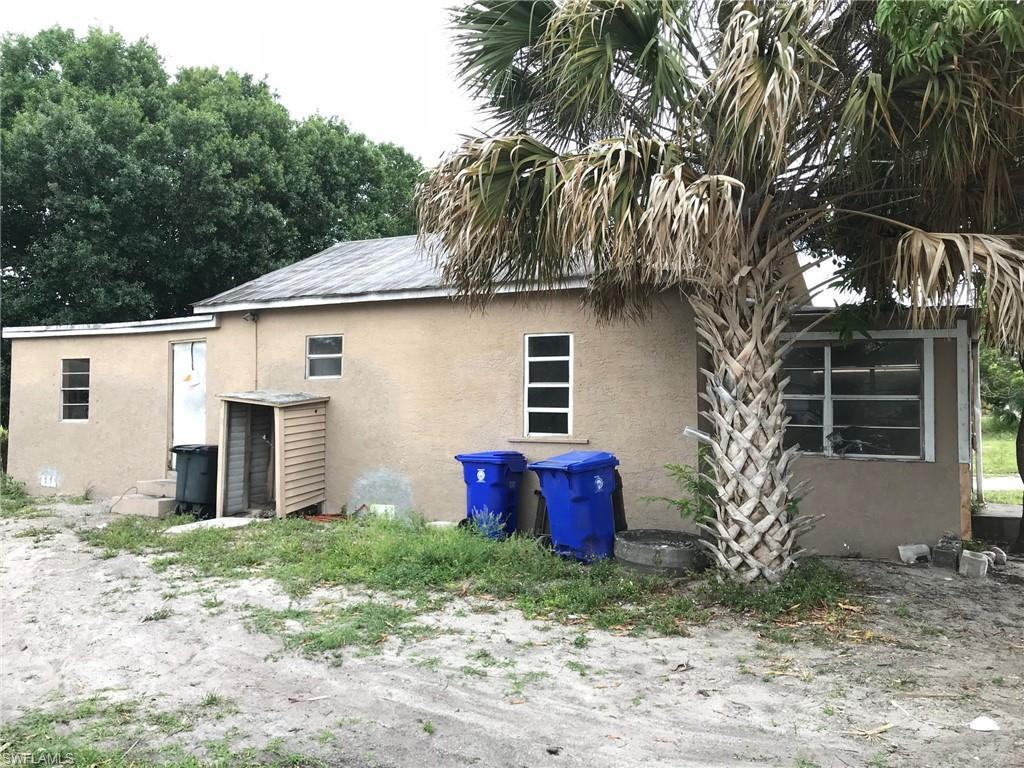 7010  Watts RD, Fort Myers, FL 33905-