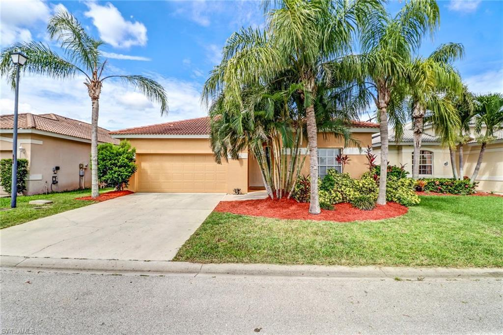 11200  Lakeland CIR, Fort Myers, FL 33913-