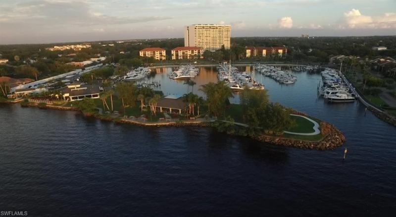 9504 Mariners Cove Fort Myers, Florida 33919