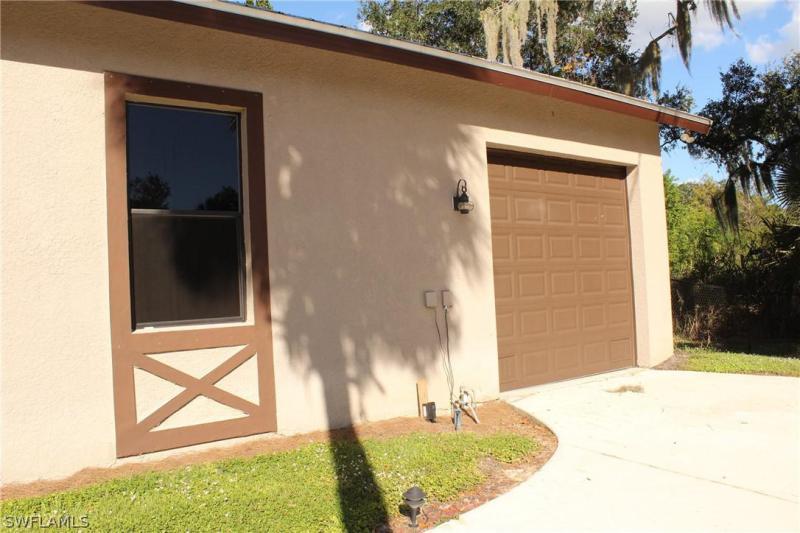 17340 Palm Beach Boulevard, Alva, Fl 33920