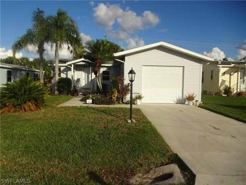 26650  Rosewood Pointe CIR Unit 202, Bonita Springs, FL 34135-
