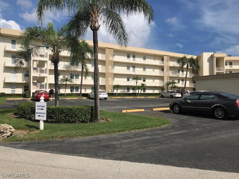 6220  Augusta,  Fort Myers, FL