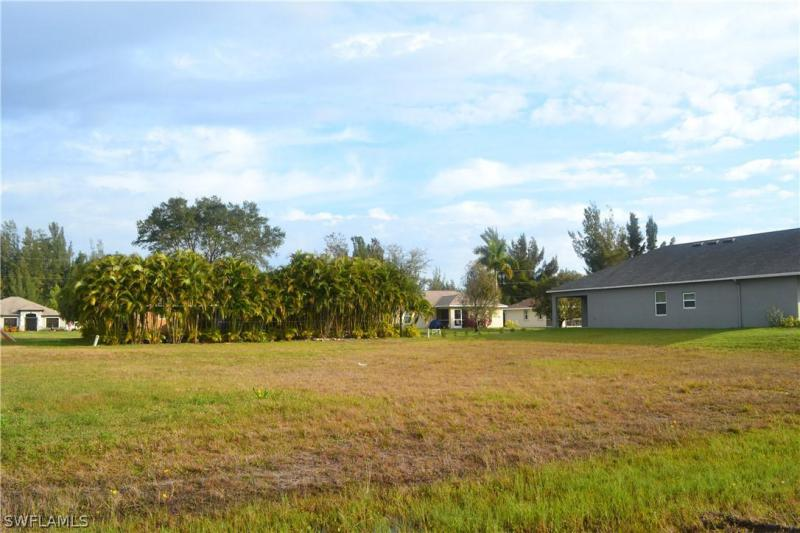 2721 Nw 10th Terrace, Cape Coral, Fl 33993