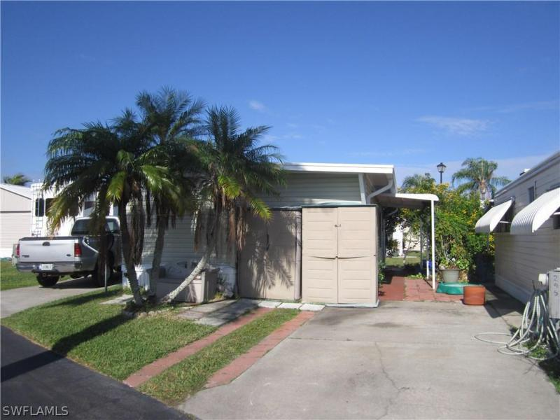 2418 Maple AVE Unit 405, Fort Myers, FL 33901