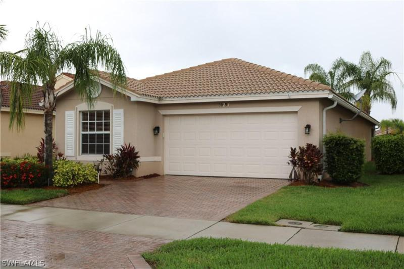 10411  Carolina Willow DR, Fort Myers, FL 33913-