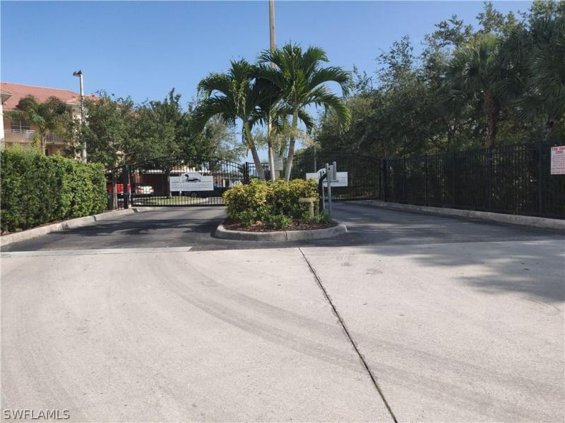 Van Loon Commons, Cape Coral, Florida
