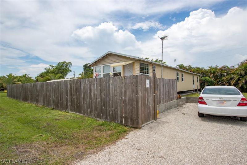 7351  Pinehurst RD, Bokeelia, FL 33922-