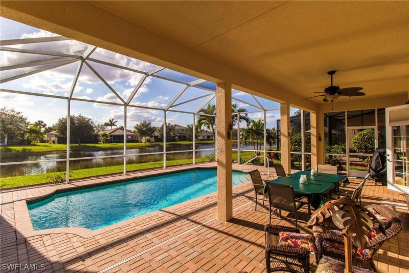 2564  Keystone Lake DR, Cape Coral, FL 33909-