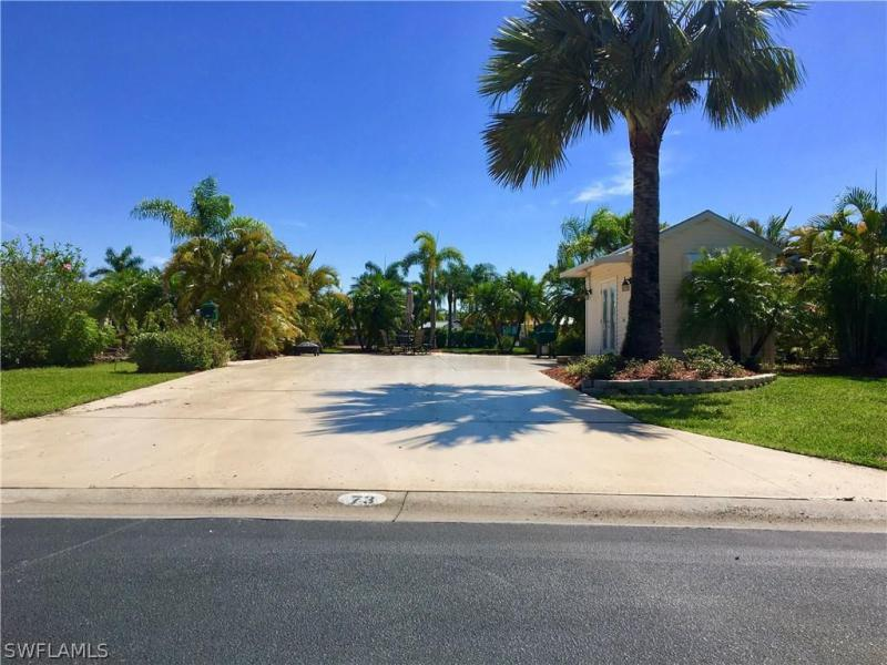 Photo of 3106 E Riverbend Resort Boulevard, Labelle, FL 33935