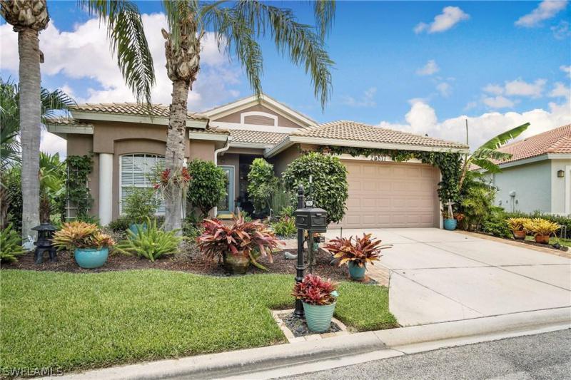 8841  Springwood CT, Bonita Springs, FL 34135-
