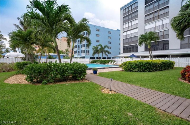 720  Matanzas CT, Fort Myers Beach, FL 33931-
