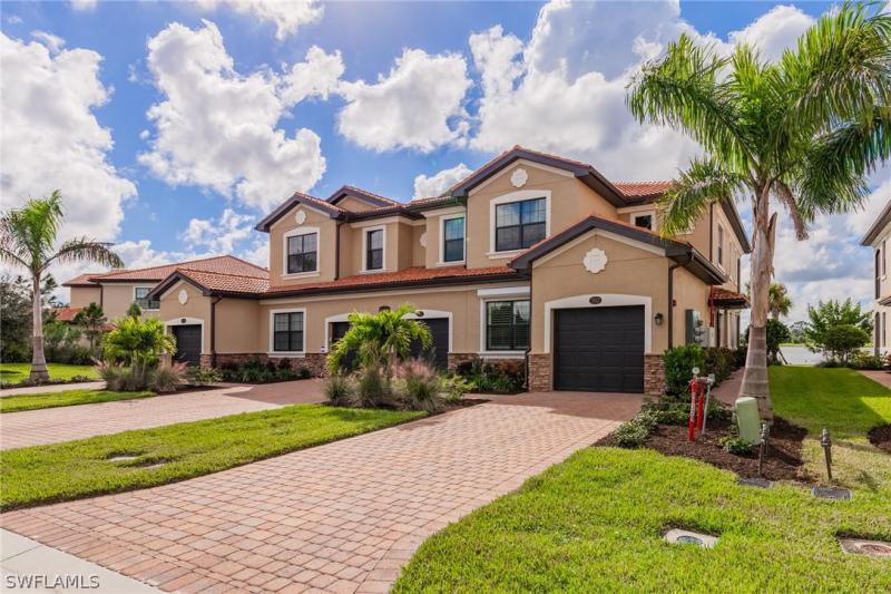 26111  Palace LN Unit 201, Bonita Springs, FL 34135-