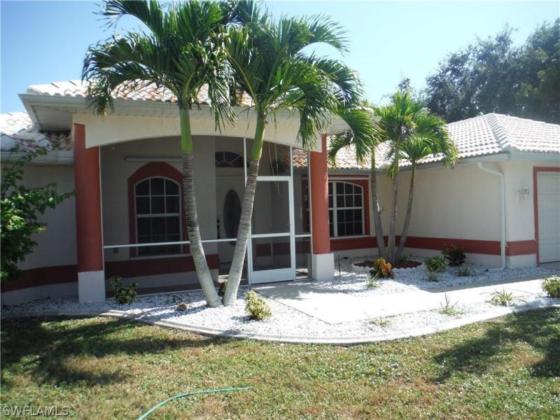 621 SE 4th,  Cape Coral, FL