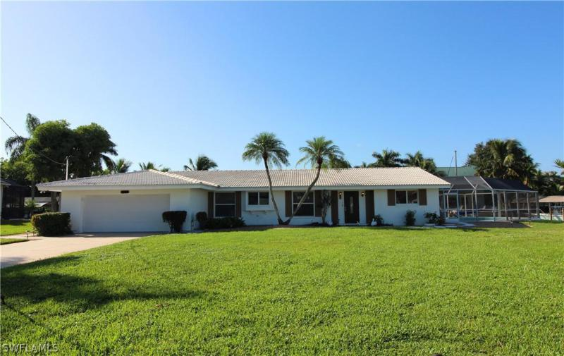 Image of 546 Bruce CIR  # Fort Myers FL 33919 located in the community of MCGREGOR ISLES