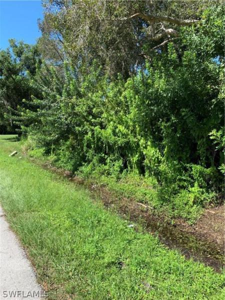 2715 Winona, North Fort Myers, FL, 33917
