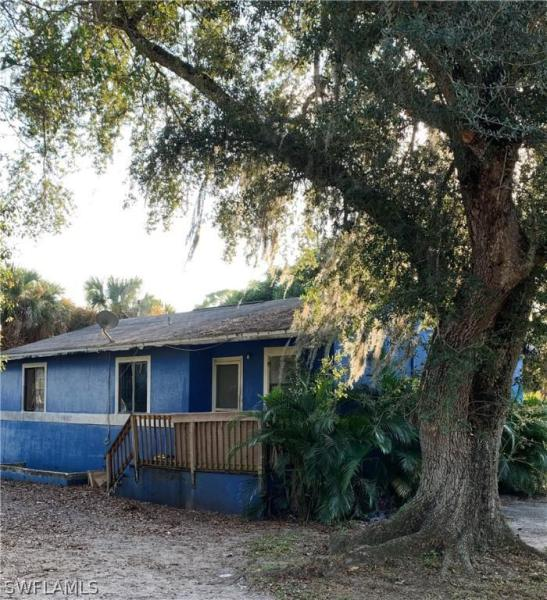 15121  Bagpipe WAY Unit 202, Fort Myers, FL 33912-