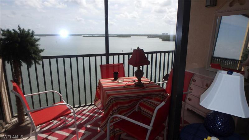 245  Mango ST, Fort Myers Beach, FL 33931-