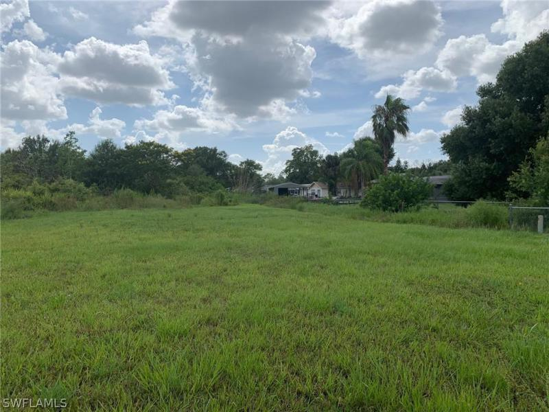 18601/1865 Nalle, North Fort Myers, FL, 33917