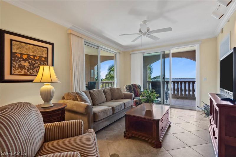2825 Palm Beach Blvd #201, Fort Myers, Fl 33916