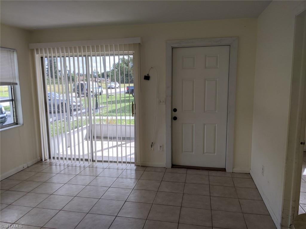 1264 SE 8th ST, Cape Coral, FL 33990-