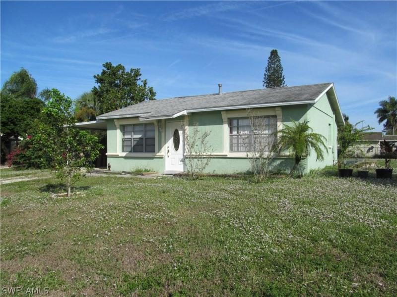 2 Tangerine CT, Lehigh Acres, FL 33936