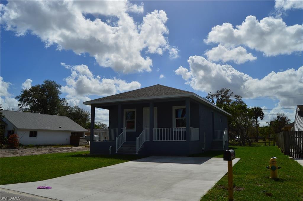 11525  Saunders AVE, Bonita Springs, FL 34135-