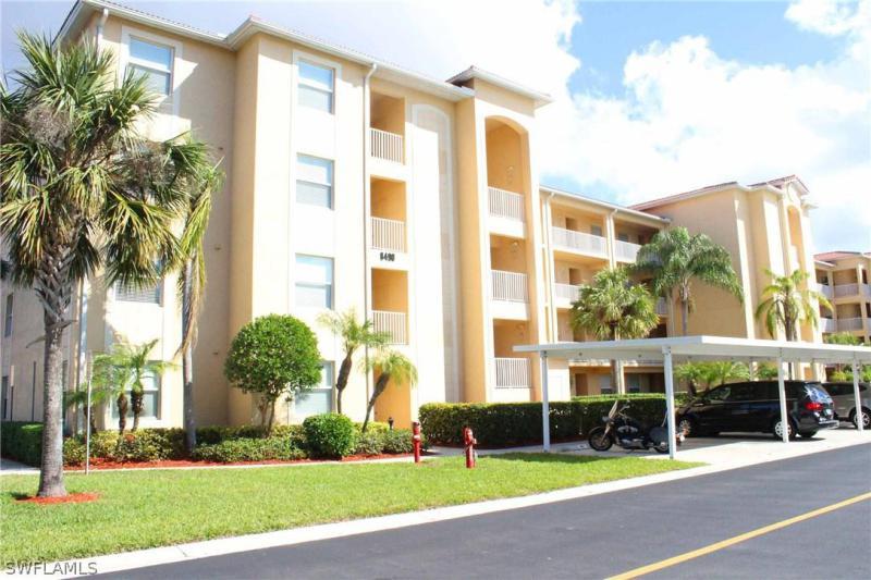 8490  Kingbird,  Estero, FL