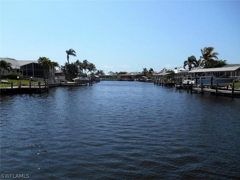 1781  Four Mile Cove PKY Unit 144, Cape Coral, FL 33990-